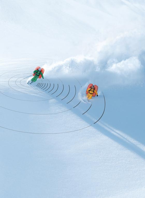 Gemeinschaftliches Freeriden und Tourengehen ist mit der ABS Wireless Activation seit Mitte Dezember noch sicherer - Bild: ABS