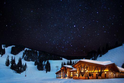 """In dem auf 3.124 Metern gelegenen Bergrestaurant The 10th findet das Club-Event """"Décimo"""" mit Stargast Paul Oakenfold statt. Bildnachweis: Fotograf Ric Stowall, Vail Resorts"""
