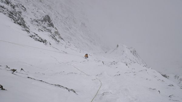 Simone Moro going up just below C2 - Fotocredit: The North Face